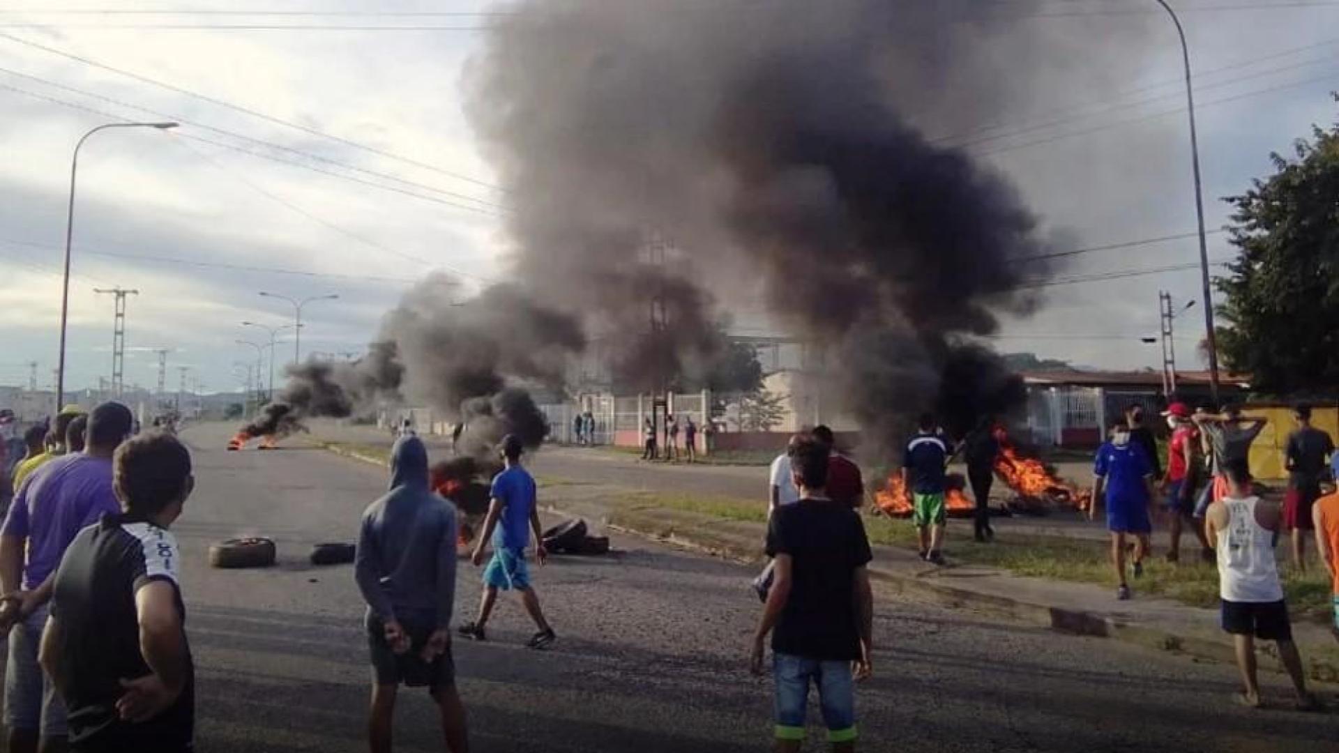 Por falta de servicios protestan habitantes de San Carlos #28Sep