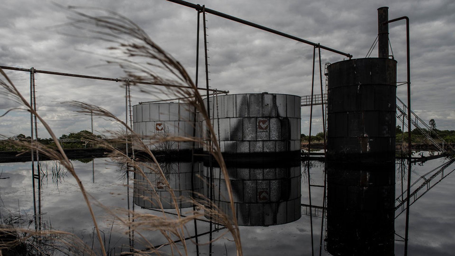 Tanques de almacenamiento de Pdvsa están en estado crítico