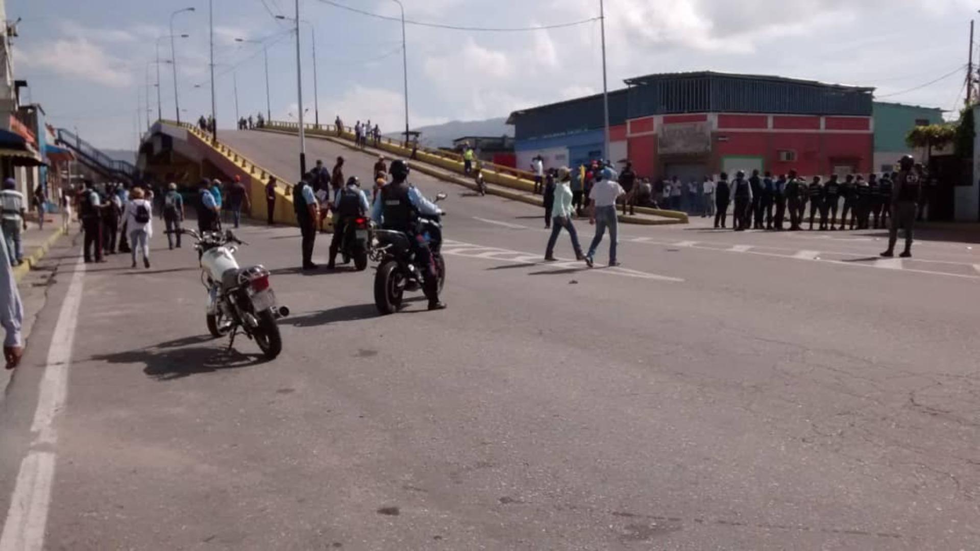 Reprimen protestas en tres ciudades de Yaracuy