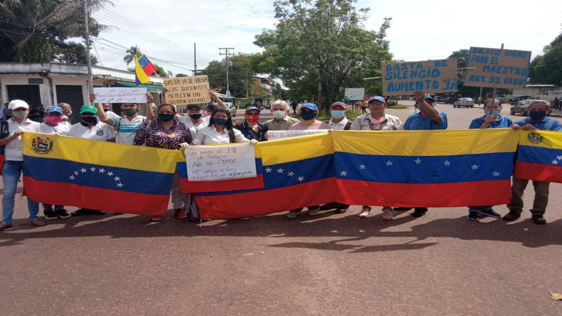 Mauligmer Baloa: Nos unimos a la protesta de los docentes por los sueldos de hambre