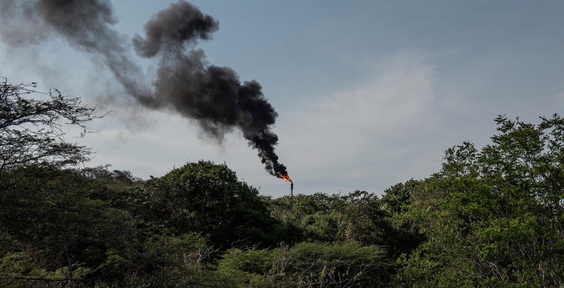 Arranque a medias de las refinerías aumenta el riesgo de derrames petroleros