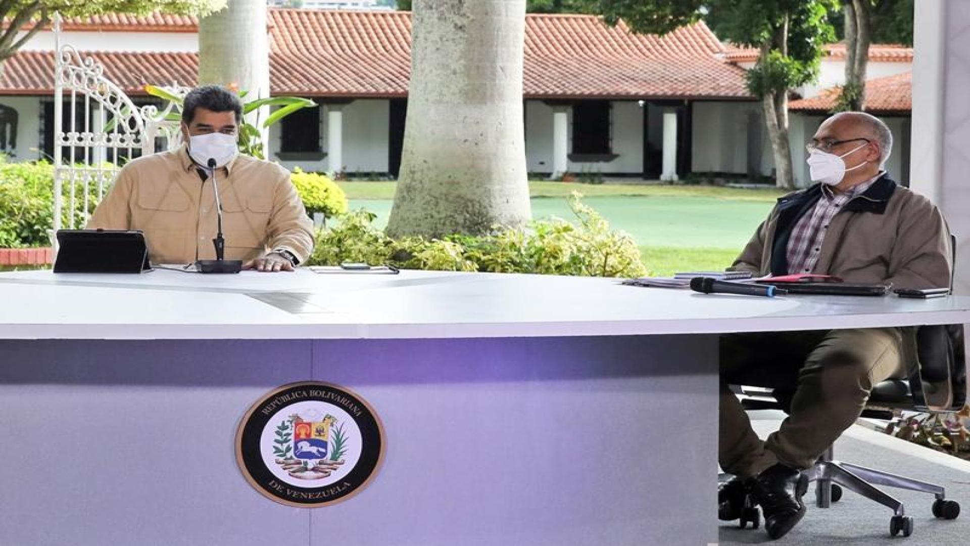 Las 12 perlas que lanzó Maduro este #13Oct [incluye regaños a 3 de sus ministros]