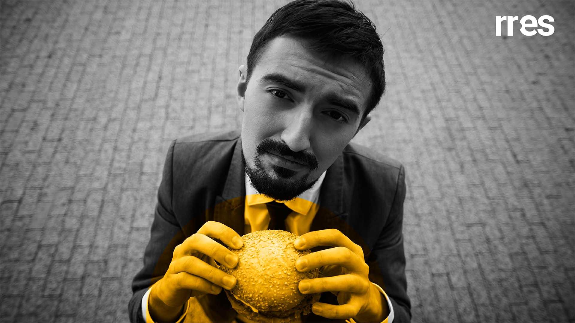 """La paradoja del """"sándwich social"""", por Antonio José Monagas"""
