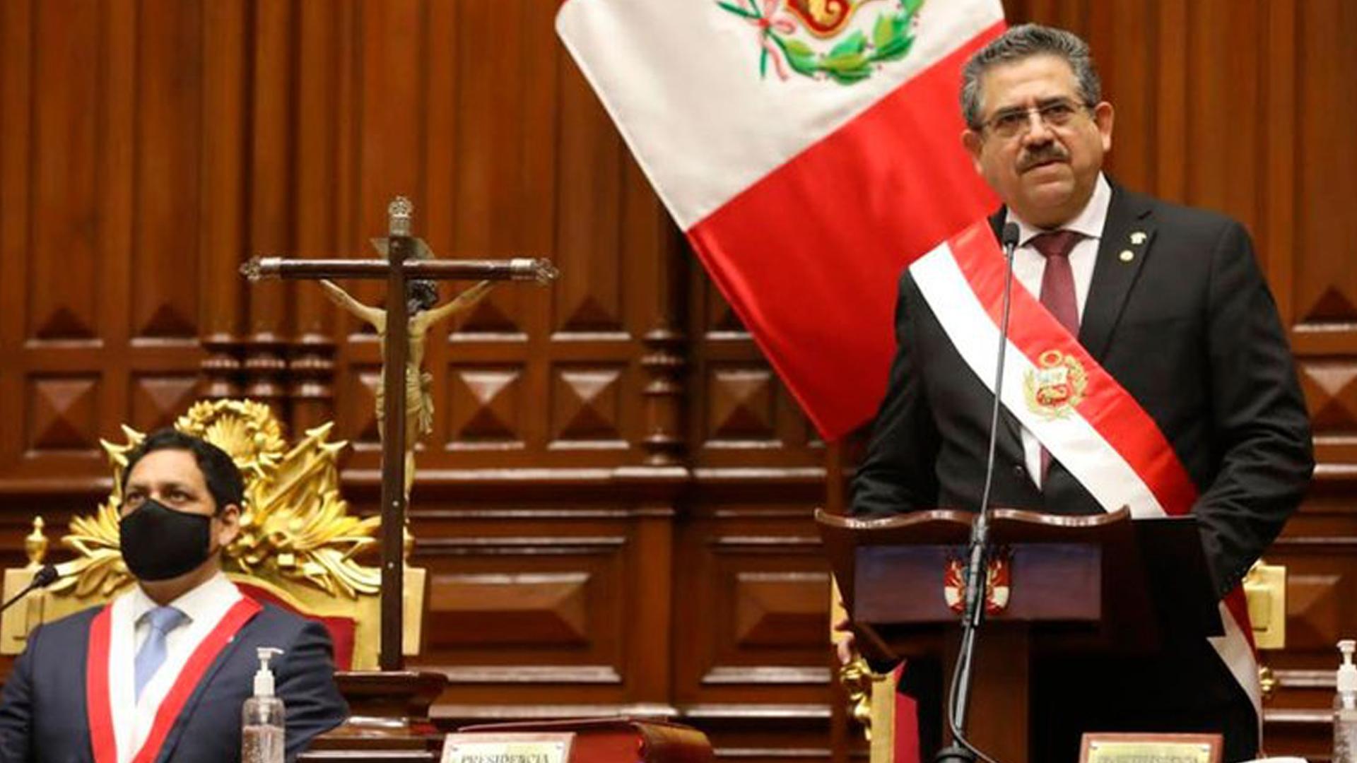Presidente del Congreso de Perú pide renuncia de Manuel Merino tras masivas protestas