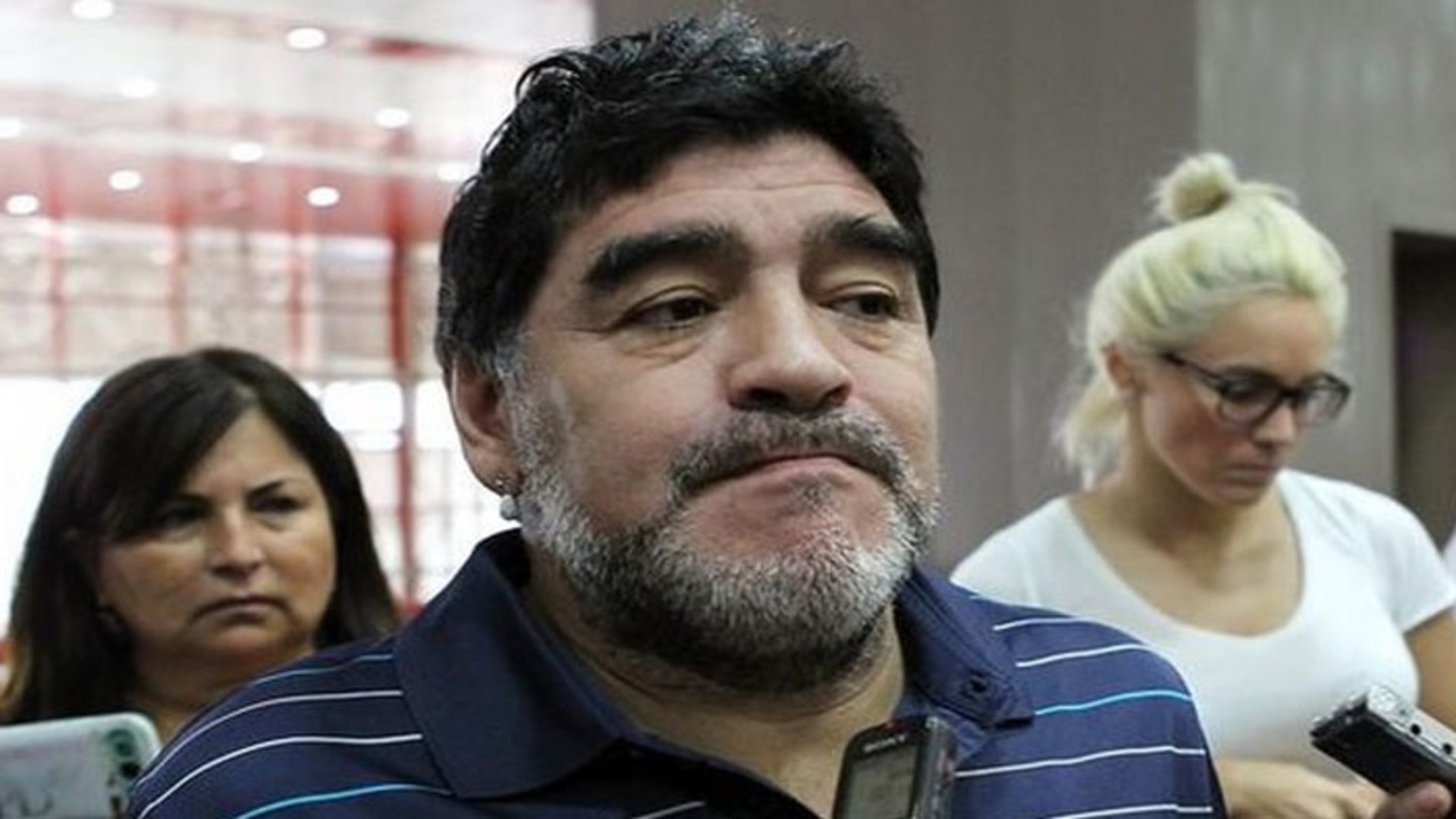 Falleció Diego Maradona de un paro respiratorio