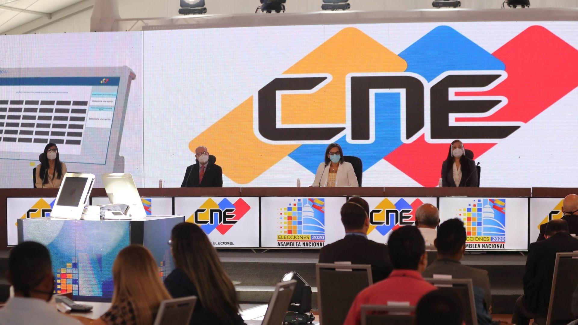 CNE atribuye al chavismo 67,6% de votos de las parlamentarias