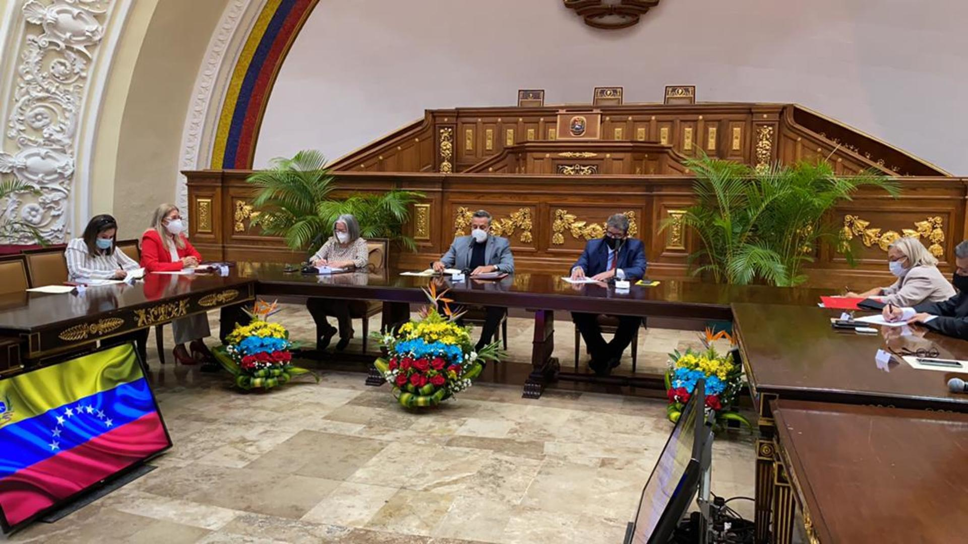 AN de Maduro instala comisión preliminar para nombrar nuevos rectores del CNE