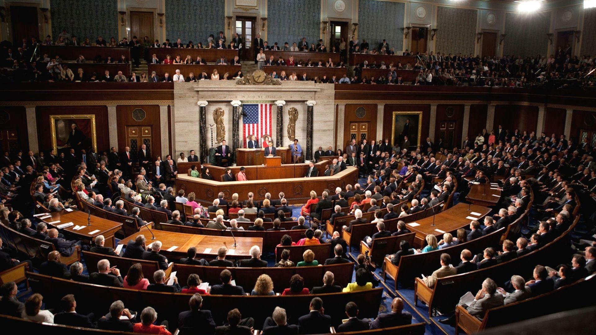 Senadores demócratas presentan propuesta para conceder el TPS a venezolanos